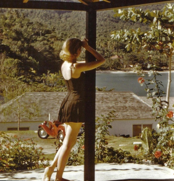 Grace Kelly. Via Homicidal Brunette