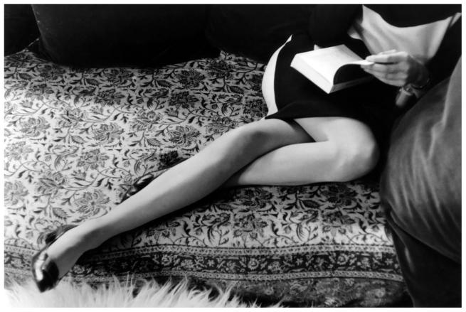 'Martine Franck, Paris, France, 1967' fotografía de Henri Cartier-Bresson. Via