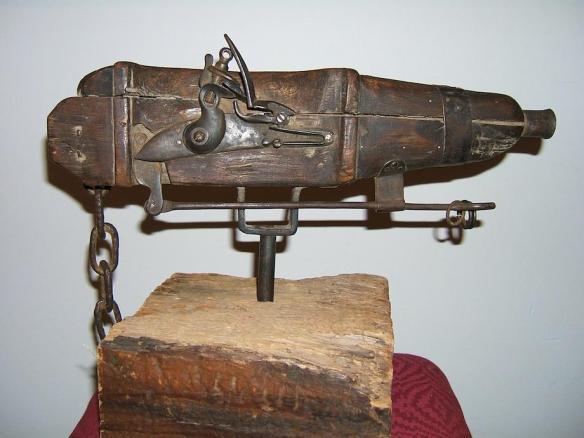 Arma trampa para evitar el saqueo de tumbas (1710). Via