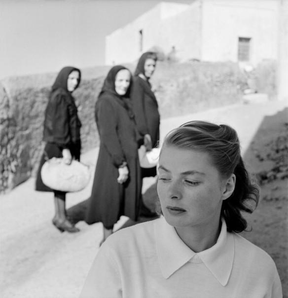 """Ingrid Bergman durante el rodaje de """"Stromboli"""" (1949) - Gordon Parks Via"""