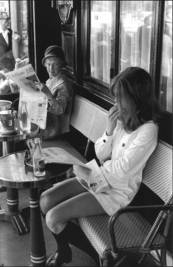 Henri Cartier-Bresson, Brasserie Lipp, Saint Germain des Prés, Paris, 1969. Via