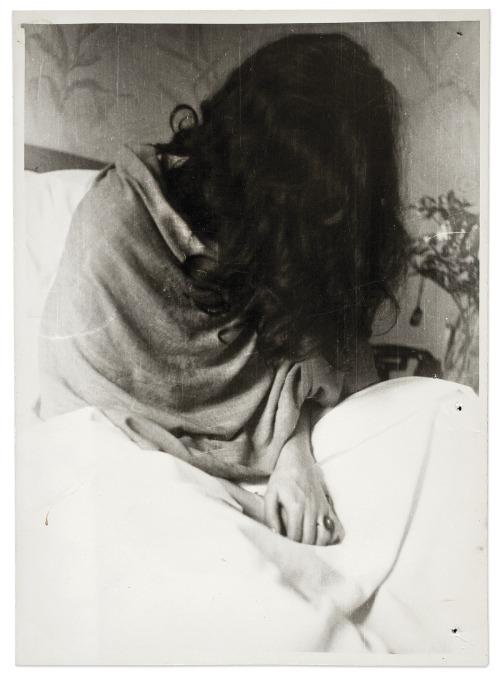 Frida at New York hospital (1946), ph. Nickolas Muray