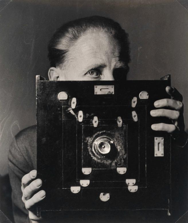 Laelia Goehr. Bill Brandt with his Kodak Wide-Angle Camera. 1945