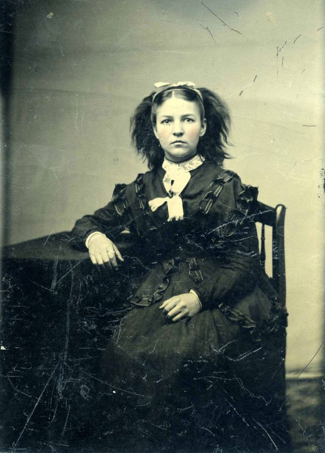 Victorian Women from the 19th Century (1)